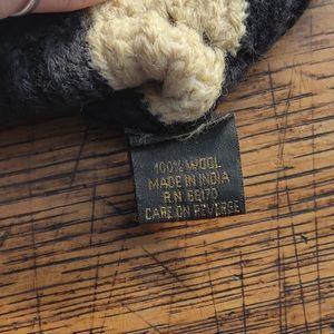 Accessories - Black & White 100% Wool Beanie Hat